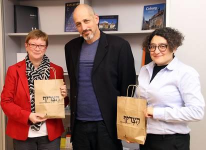 Dr. Yotam Lurie mit Präsidentin Christiane Fritze und Milena Valeva